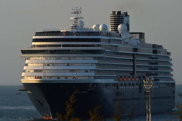eDoctor - Khẩn cấp truy tìm hơn 1.000 hành khách trên du thuyền cập cảng ở Campuchia
