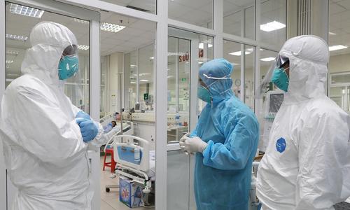 Thêm 7 ca mắc COVID-19, trong đó có 1 bác sĩ BV Bệnh Nhiệt đới TW, Việt Nam ghi nhận 141 ca