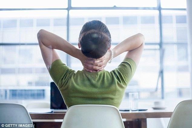eDoctor - Ngồi suốt 8 giờ, nữ tăng nguy cơ tim mạch, đái tháo đường